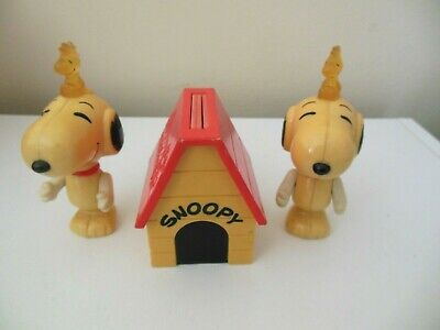 UFS Snoopy and Peanuts Gang Dog House w/3 Pop-Up Pictures + 2 Snoopy/Woodstock