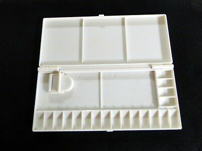 """Large Plastic Folding Palette, 10"""" x 4 1/4"""" with 19 small wells and 5 large well"""