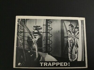 1966 Topps Lost In Space No. 15 Trapped