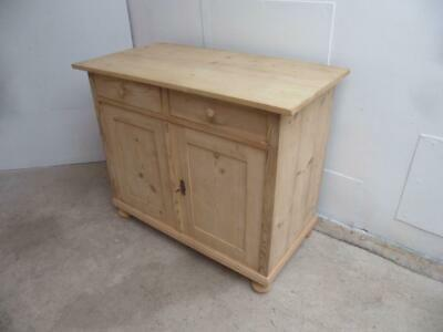A Quality Antique/Old Pine 2 Door 2 Drawer Dresser Base to Wax/Paint