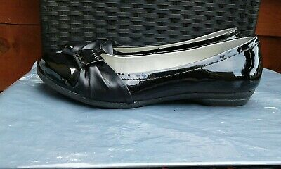 Ladies Black Patent Leather Flats By Clarks Cushion Soft Size 4D
