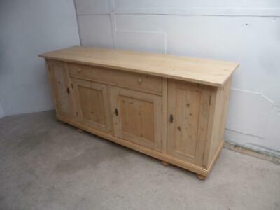 A Beautiful 4 Door Antique/Old Pine Dresser Base/Flat TV Stand to Wax/Paint
