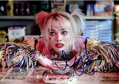 Margot Robbie - Harley Quinn Hand Signed Photo With Coa
