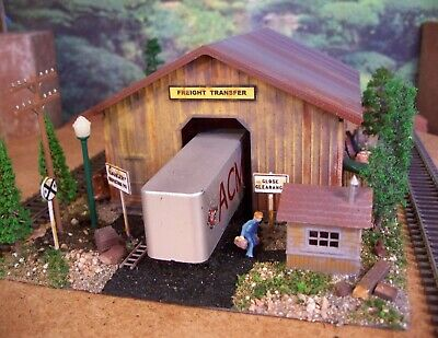 LMH Funaro F/&C 16  Southern Pacific TOOL HOUSE Maintenance MOW Storage Shed Shop