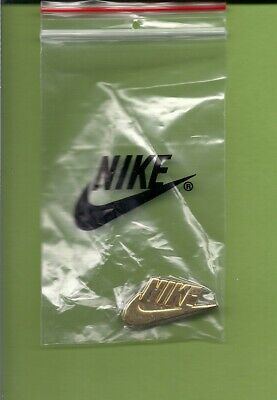 AUTHENTIC Metal  GOLD NIKE SWOOSH LAPEL PIN