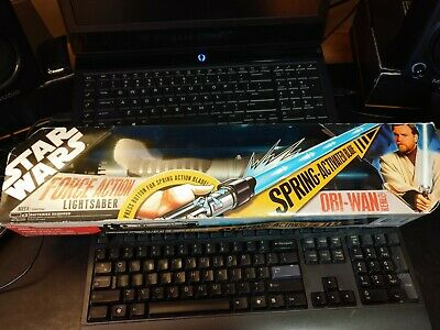 NEW: Star Wars Force Action Blue Lightsaber Obi-Wan Kenobi 2007, Spring Action