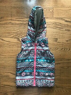 Girls' One Step Up hooded puffer vest stripes and snowflakes M 10-12