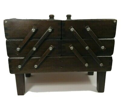 Vintage SINGER Accordian style Wooden Sewing box with feet missing handle