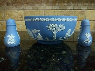 "Vintage Wedgwood Blue Jasperware "" Sacrifice"" Large 8"" Serving Bowl,Salt, Pepper"