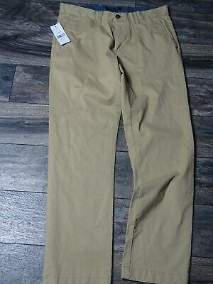 Tommy Hilfiger Men's Tailored Fit Flat Front Chino Pants (Khaki,32x32)