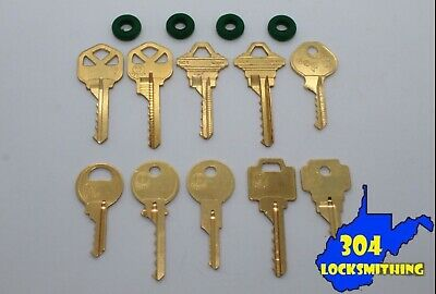 Cut Key Set of 10 with 4 rubber rings, lockout, locksmith, Space