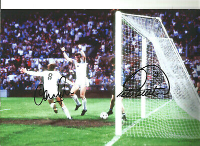 Gary Shaw Peter Withe Aston Villa hand signed authentic football photo SS035