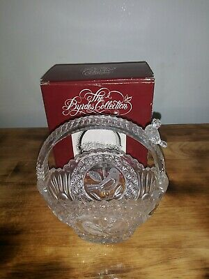 Hofbauer Vintage The Byrdes Collection Etched Crystal Basket Bird 6 x 7 w/box