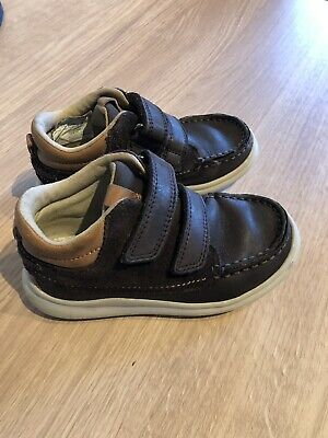 clarks leather boots Infant Size 8G