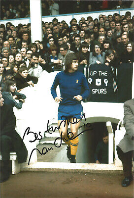 Alan Hudson Chelsea 12 x 8 inch hand signed authentic football photo SS080
