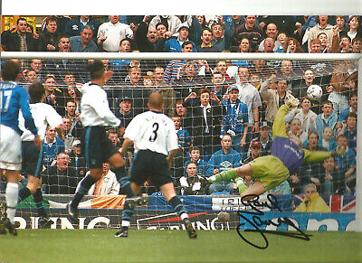 Gareth Farrelley Everton 12 x 8 inch hand signed authentic football photo SS117D