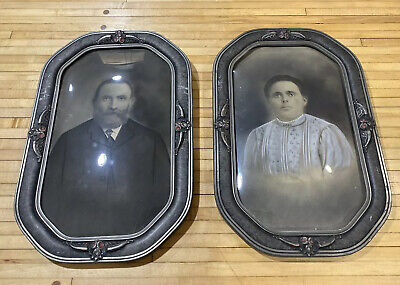 Gothic Victorian Bubble Convex Glass Framed Picture Man Woman Haunted Picture