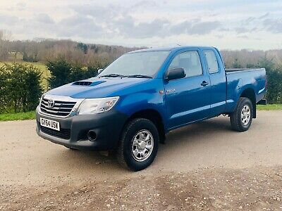 Toyota Hilux 2.5 D-4D 4X4 2015/64 Active Extra Cab Pickup ** Just 28000 Miles **