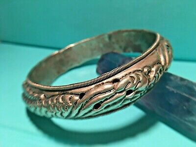 Antique Chinese 1910's Chased Sterling Silver Bangle (Marked) handmade small 17g