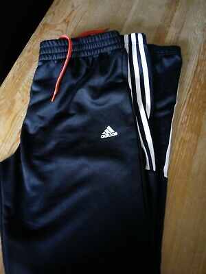 Boys Adidas Joggers Age 15-16 yrs.Great Condition! Black