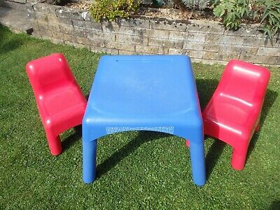 ELC plastic table and 2 chairs, fab for art and crafts COLLECT REDDITCH B98