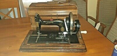 Very Rare German Hengstenberg Vibrating Shuttle Sewing Machine 1898 / Singer