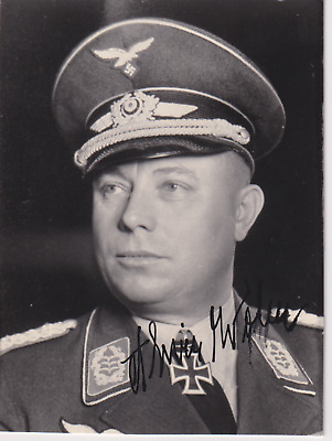 Signed photo Luftwaffe Flak Oberst Alwin Wolz - Knights Cross recipient