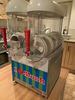 Commercial Slush Machine, DON'T MISS, Excellent Condition, Ready to make money.