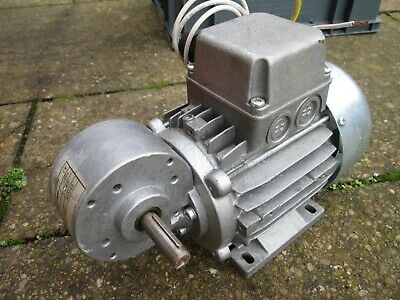 Three Phase 0.18kw Motor and Worm Gearbox 35rpm output 14mm Hollow Bore 11Nm
