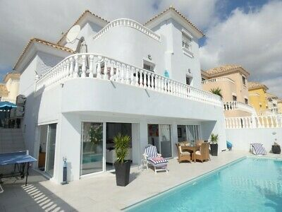 Costa Blanca South: 4 Bed Villa + A/C + Wi-Fi Heated Private Pool - Villamartin