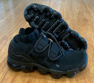 Nike Air Vapormax Flyknit Utility Mens Size 6 Triple Black AH6834-001 NEW