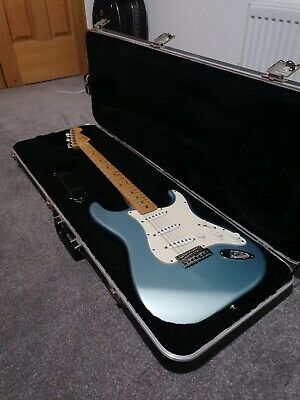 Fender Stratocaster Classic 50'S Sonic Blue Gold Hardware