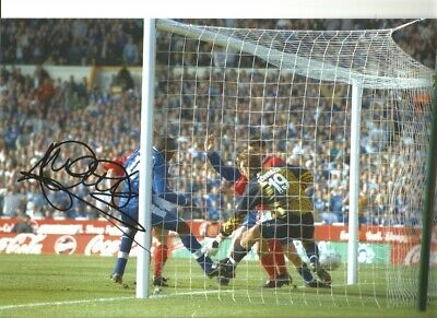 Emile Heskey Leicester City 12x8 inch hand signed authentic football photo SS246
