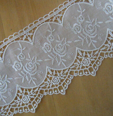 VINTAGE VENISE #103 APPLIQUES LACE 26 pcs Assorted Cotton Rayon Ivory White