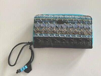 Bnwot Volcom Ladies Boho Travel Wallet Sold Out Style (Blue)