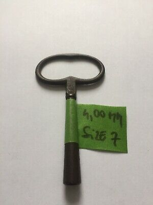 Antique French Steel Clock Winding Key 4,00mm Size 7