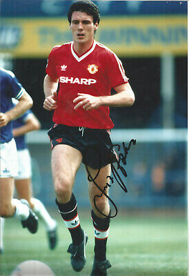 Frank Stapleton Manchester United signed authentic football photograph SS463