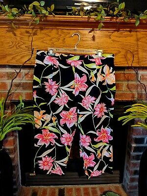Briggs New York Brand New With Tags Floral Capri Pants Size 22W