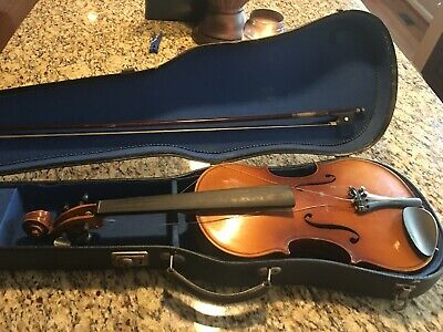 Antique Copy of JOSEF GUARNERIUS VIOLIN & BOW in WOOD CASE, Made in Germany