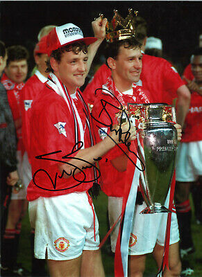 Bryan Robson Steve Bruce Manchester United signed football photograph SS535C