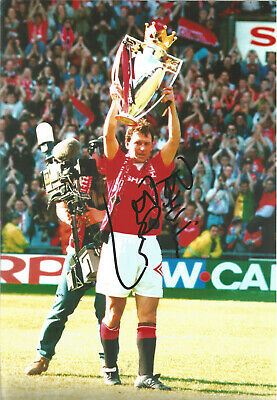 Bryan Robson Manchester United signed authentic 12x8 football photograph SS534E
