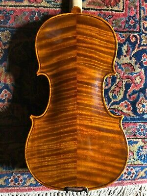Antique Violin 4/4 (full size). Great condition and ready to play