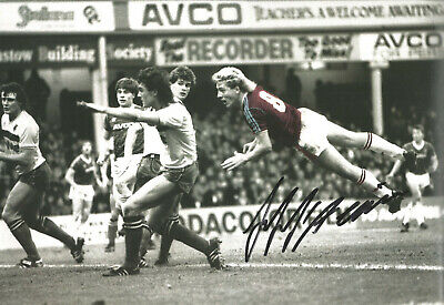 Frank McAvennie West Ham signed 12x8 inch authentic football photograph SS658C