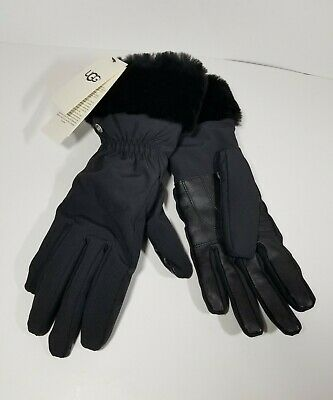 NEW NWT UGG Black FNT Smart Gloves Fur Cuffs Size Small