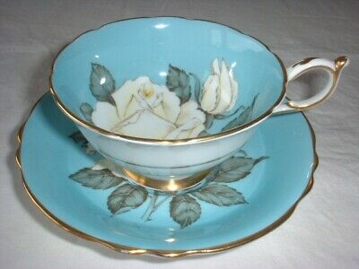 PARAGON China WHITE CABBAGE ROSE Tea Cup & Saucer Queen Mary EX!