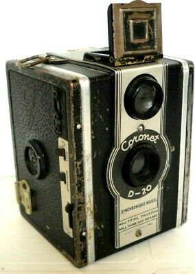 **1930s CORONET D-20 TLR 620/120 ROLL FILM BOX CAMERA IN VERY GOOD CONDITION**
