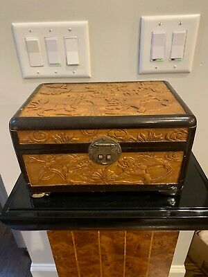 Chinese Asian High Relief Foo Dog Wood Carving Camphor Chest Box Brass Fitting