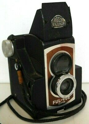 **1950s ROSS ENSIGN FUL-VUE 620 ROLL FILM BOX CAMERA IN VERY GOOD CONDITION**