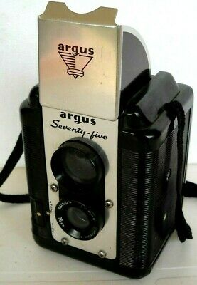 **1950s ARGUS  SEVENTY-FIVE 120 ROLL FILM BOX CAMERA IN VERY GOOD CONDITION**
