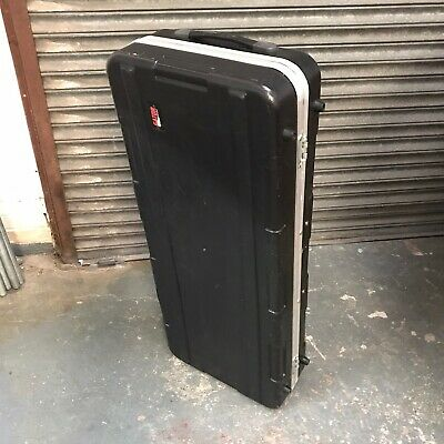 Gator cases coffin flight case with wheels twin turntable & 10 inch mixer space